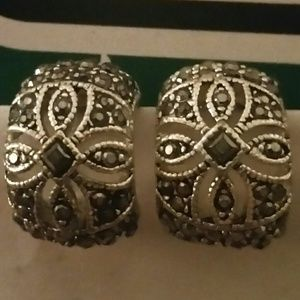 Jewelry - Vintage Silver and Black Crescent Clip On Earrings